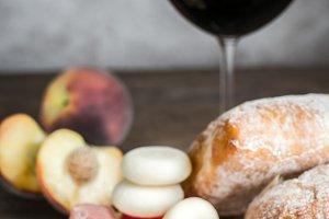 Red wine with prosciutto