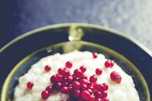 rice pudding with berry