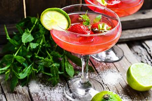 Mojito with lime and strawberry