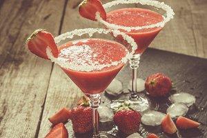 Strawberry margaritas and ingredients