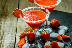 Strawberry margaritas and ingredients