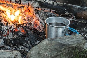 Making coffee on campfire