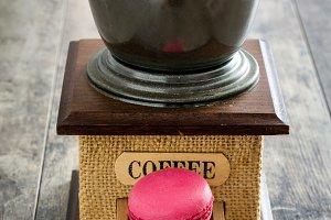 Coffee grinder and macaroons