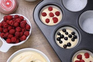 baking muffins stuffed
