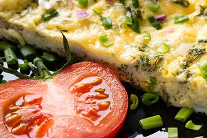 omelette and tomato close-up