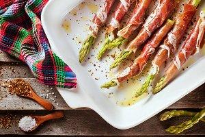 Asparagus with parma ham