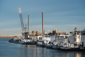 tugboat dock service at port