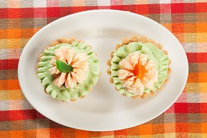 Tartlets with cream