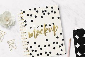 "Planner & Agenda 7x9"" Mockup"