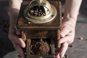 Grind coffee