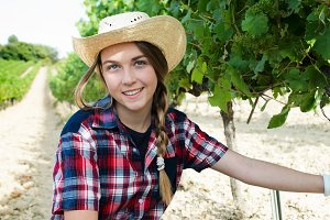 woman work on wineyard