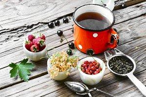 Tea and berries