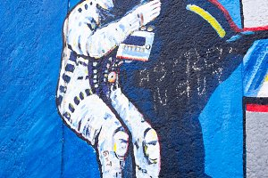 Berlin Wall Art - Astronaut