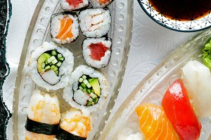 sushi Plate with Sushi Set