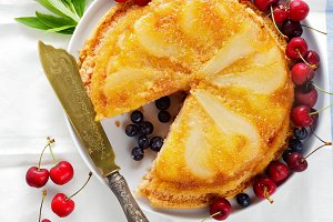 Upside-Down cake with pears.