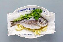 fried fish , lemon