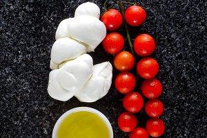 Cherry Tomatoes, Oil and Mozzarella