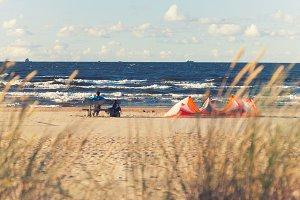 Man. Kite. Baltic sea