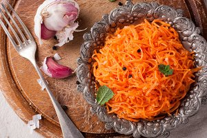 Delicious and spicy carrot spaghetti