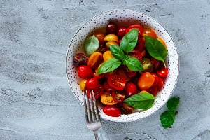 Tomatoes with basil