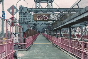 Williamsburg Bridge, Walkway