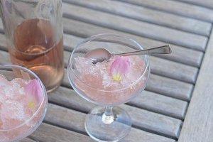 Rose wine slushie S