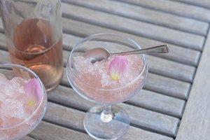 Rose wine slushie M