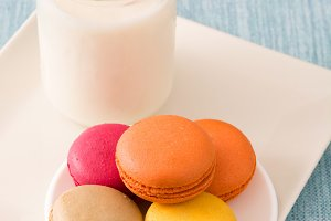 Milk and colored macaroons
