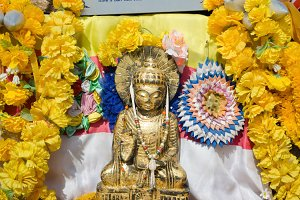 Buddha image at the Peak of India