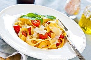 Tagliatelle with cherry tomato