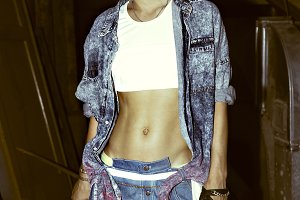 loves jeans. Fashion urban Girl