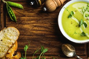Green pea cream soup