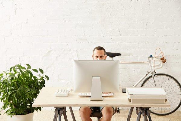 Freelancer with many hobbies workin…