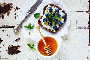 Ricotta and blueberries sandwich