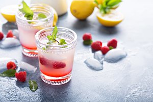 Raspberry lemon lemonade for summer days