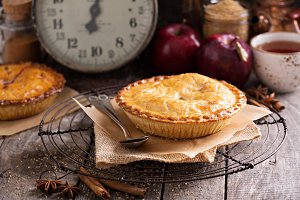 Apple pie with brown sugar and cinnamon