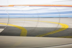 Aircraft wing with reflection