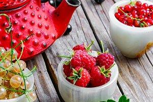 Summer berry tea