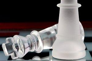 Chess kings battle