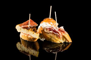Spanish tapas - Black background