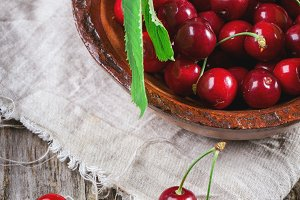 Bowl of fresh cherries