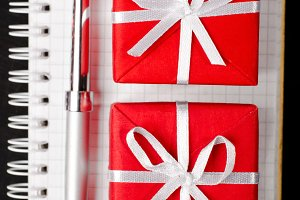 gift boxes with notepad