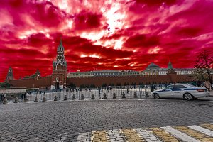 color of clouds over the Kremlin
