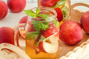 lemonade with peaches and mint