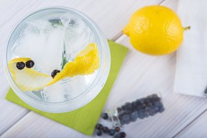 Gin and tonic on a highball glass