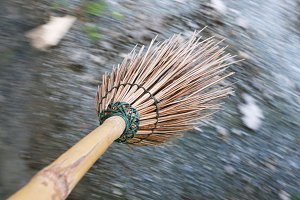 Moving broom