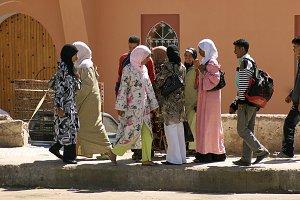 Gente en la ciudad (Marruecos)