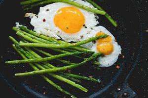 Asparagus eggs skillet meal