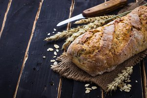 Bread with bran and seeds