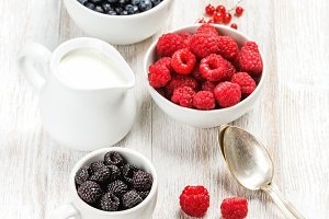Fresh berries and milk